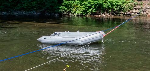 Forscherboot zu Wasser gelassen